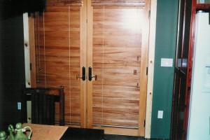 Dbl Wood Door Blind 002